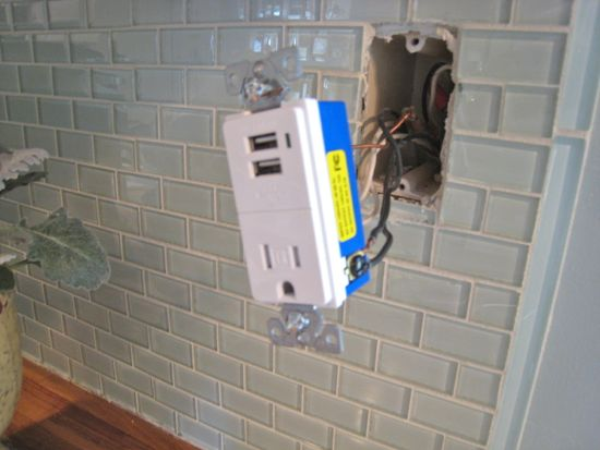 Installing new usb powered outlet